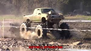 OFF ROAD RACING! MUD TRUCKS VS MEGA TRUCKS! - YouTube