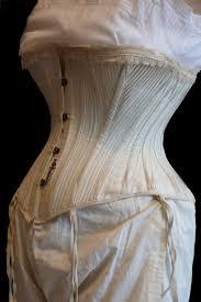 corset des années 1910 soutien gorge et porte jarretelles des