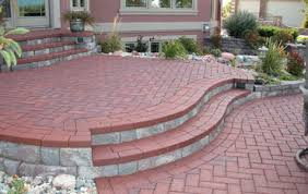 12x12 Paver Patio Designs by I Like This Raised Patio Though The Whole Thing Wouldn U0027t Have To