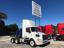 100 Truck For Sell 2011 VOLVO VNM64T200 TANDEM AXLE DAYCAB FOR SALE 8778