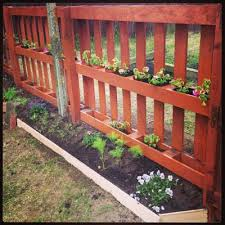 The Idea Is Similar With One Above But Instead Of Planting On Top Your Pallets Herbs Or Veggies Youll Plant Flowers Around Fence To