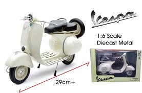 1955 VESPA 150 VL 1T MOTORCYCLE SCOOTER 1 6 DIECAST