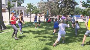 Top Outdoor Yoga Classes In Denver