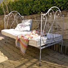 lit de jardin en fer forgé drôme provençale lit de