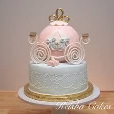 Gold Pumpkin Carriage Centerpiece by Cinderella Pumpkin Carriage Cake Pastels Used Were A Pinky Peach