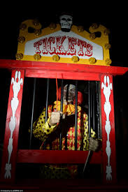 Best Halloween Attractions Uk by Halloween Mad Family Splash 20k For Haunted House Party In