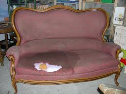 vieux canapé relooking canapé les petits potins de cathy mouny