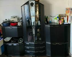 wohnzimmerschrank schrank schwarz mit spiegel glas