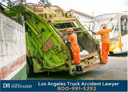 Los Angeles Garbage Truck Accident Lawyer | Free Case Review|Call 24/7