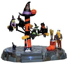 Lemax Halloween Village Displays by 206 Best Halloween Village Images On Pinterest Cottages Diy