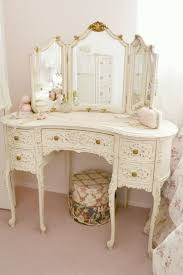 Shabby Chic White Bathroom Vanity by Best 25 Shabby Chic Vanity Ideas Only On Pinterest Vintage