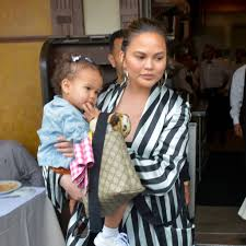 Chrissy Teigen – Page 2 – Cover Media – Leading Provider Of ... The Fall 2019 Essentials Chrissy Teigen Cant Stop Shopping Officially Becomes Kardashian Sister In Christmas 10 Lweight Strollers That Will Change The Way You Travel With Baby Trend Ally 35 Infant Car Seatoptic Red High Waist Skinny Jeans Mcdonalds 550 Sq Ft Apartment Is A Total Dream Metz On Her New Faithbased Film Breakthrough We All Want Citizens Of Humanity Haze Nordstrom Dorit Kemsleys Bank Account Frozen Report Daily Dish Deluxe Feeding Center Cerise Has Strict Rules For Posting About Kids Online