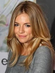 What a Gorgeous Light Brown Hair with Caramel Highlights