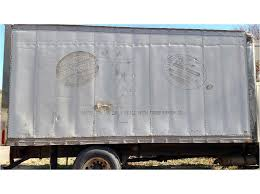 100 Camerota Truck Parts 2001 FREIGHTLINER FL70 Reefer Refrigerated Body For Sale