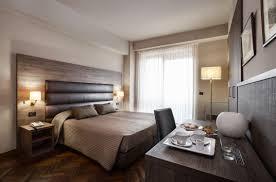 chambre comtemporaine tête de lit pour chambre d hôtel pour lit contemporaine