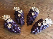 Ceramic Grapes Kitchen Decor Purple With Metal Leaves SET OF 4 FRUITS Wine Theme