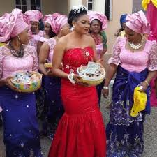The wedding day is again at the bride s pound where the guests wel e the couple and invite them in front of the families First the bride goes around