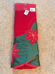 Poinsettia Christmas Tree Skirt W Hover To Zoom