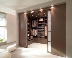 petit dressing chambre petit dressing chambre des rangements en plus pour une chambre petit