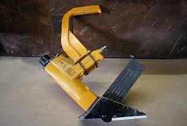 Flooring Nailer Vs Stapler by Bosch Floor Nailer Vs Stapler Carpet Vidalondon