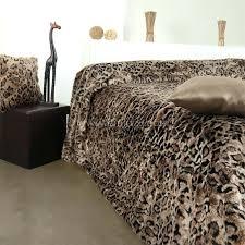 couvre lit imitation fourrure couvre lit fausse fourrure luxe gris