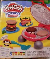 Play doh Kitchen Creations Burger Barbecue Grill 13 pc Playset