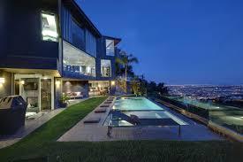 100 Hollywood Hills Houses Backyardpoolviewsviewmonthollywoodhillshomes JGold Group