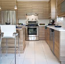cuisines actuelles le bois est un matériau chouchou dans les cuisines actuelles mais