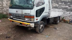 100 Mitsubishi Fuso Truck FUSO 2002 KAU Diesel Engine 6 Speed Manual