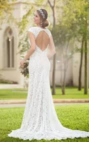 10 Lace Wedding Dresses For Romantics