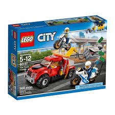 LEGO CITY Tow Truck Trouble 2017