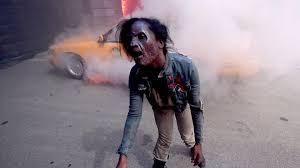Mazes In Los Angeles Ca by Universal Studios Hollywood To Turn Popular U0027walking Dead U0027 Haunted
