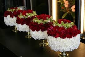 Stunning Red And White Flower Centerpieces Ideas