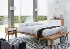tapis de chambre une chambre blanche accessoirisée d un tapis graphique la