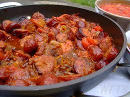 cuisiner des saucisses fum馥s rougail saucisse et haricots rouges à la créole waiting for the sun
