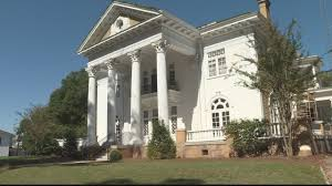 100 Holman House Finishing Touches Being Added To Historic In Ozark