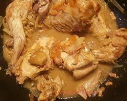 cuisiner un lapin au vin blanc lapin au vin blanc lardons et chignons forestiers et sa polenta
