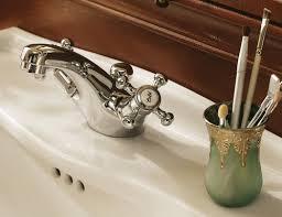 photo guide de la salle de bain rétro