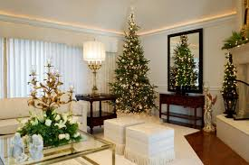 Perfect Modest Apartment Christmas Decorations Casual Decoration With White Shade Table Lamp