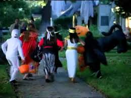 Snickers Halloween Commercial 2015 by 39 Best Halloween Commercials Images On Pinterest Commercial