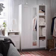 klassischer kleiderschrank in weiß living at home