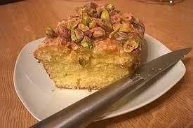 zitronen mascarpone kuchen mit pistazientopping