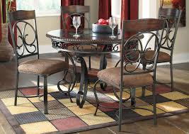 Glambrey Round Dining Table W 4 Side Chairs