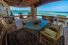 Radio El Patio Hn by Hotel Clarion Roatan Pineaple First Bight Honduras Booking Com