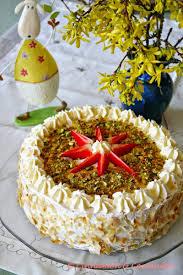 erdbeer joghurt torte mit pistazien marzipan