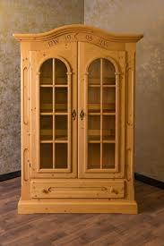 voglauer anno 1800 goldton antik vitrinenschrank vitrine