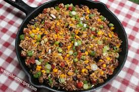 A Quick And Easy Tex Mex Ground Beef Skillet Dinner Made In Under 30 Minutes