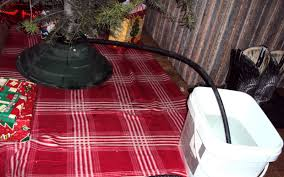 Xmas Tree Waterer by Live To Learn Keep Your Christmas Tree Watered While You U0027re Away