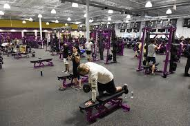 Planet Fitness Tanning Beds by Clifton Park Planet Fitness Opens With Fanfare The Daily Gazette