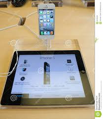 White IPhone 5 In Apple Store Editorial Stock Image Image